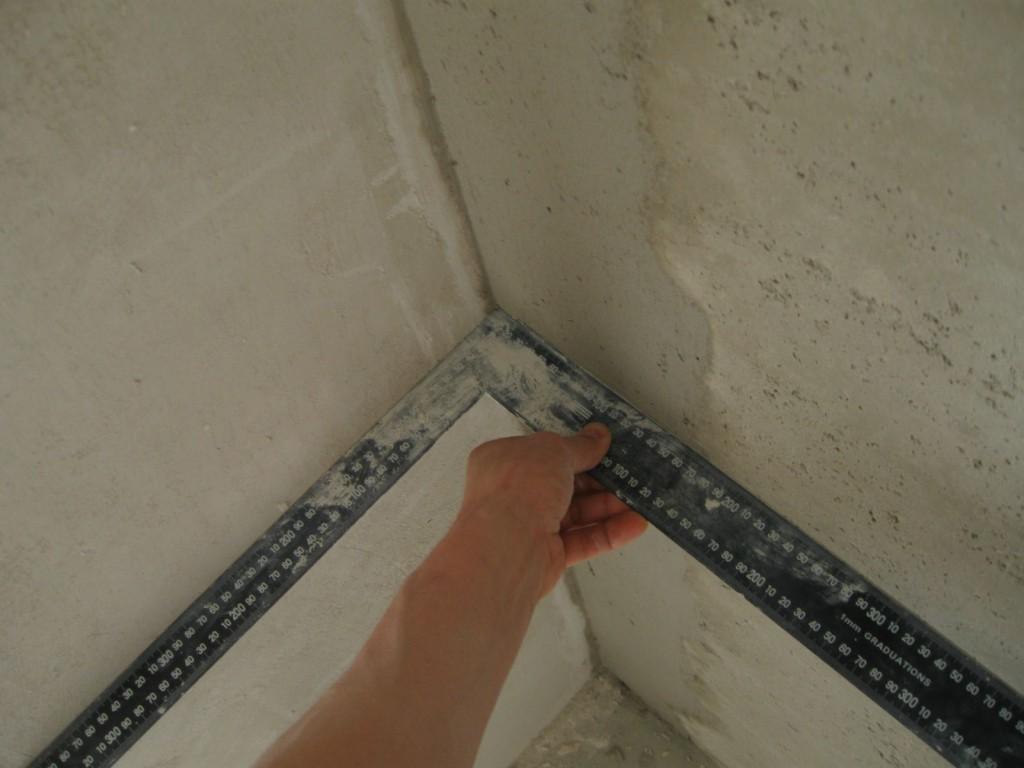 угольник для штукатурки стен