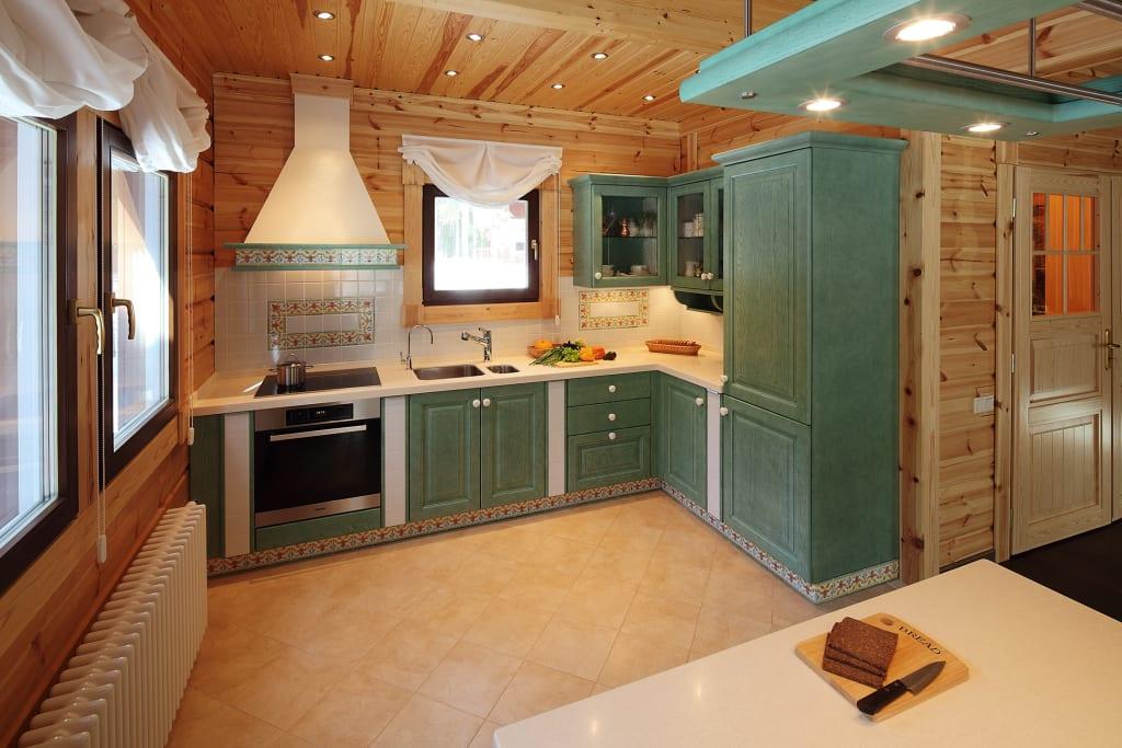 вагонка из сосны на кухне
