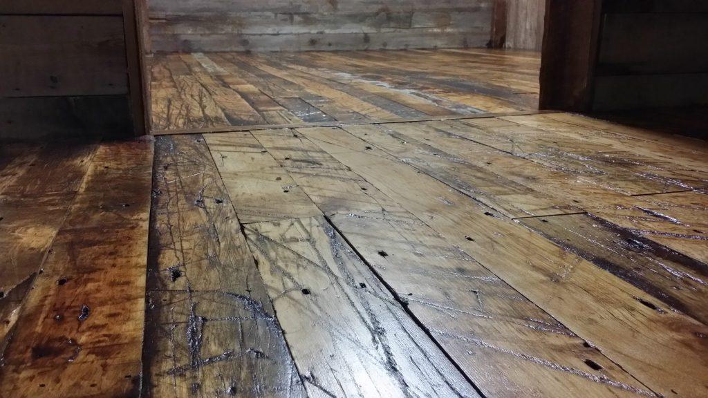 полы из старого дерева